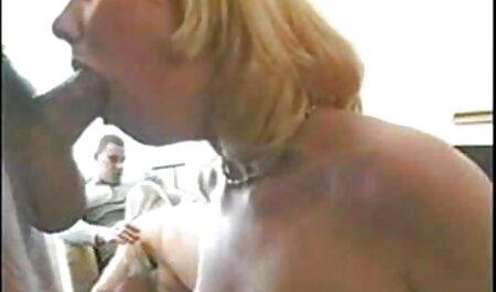 Mai Mariya gives herself an orgasm indian wife sex